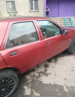 Ford Sierra 2.0 MT (109 л.с.)