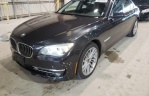 BMW 7 Series 750i AT (449 л.с.)